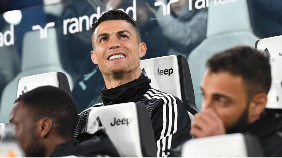 Cristiano Ronaldo, en el banquillo.