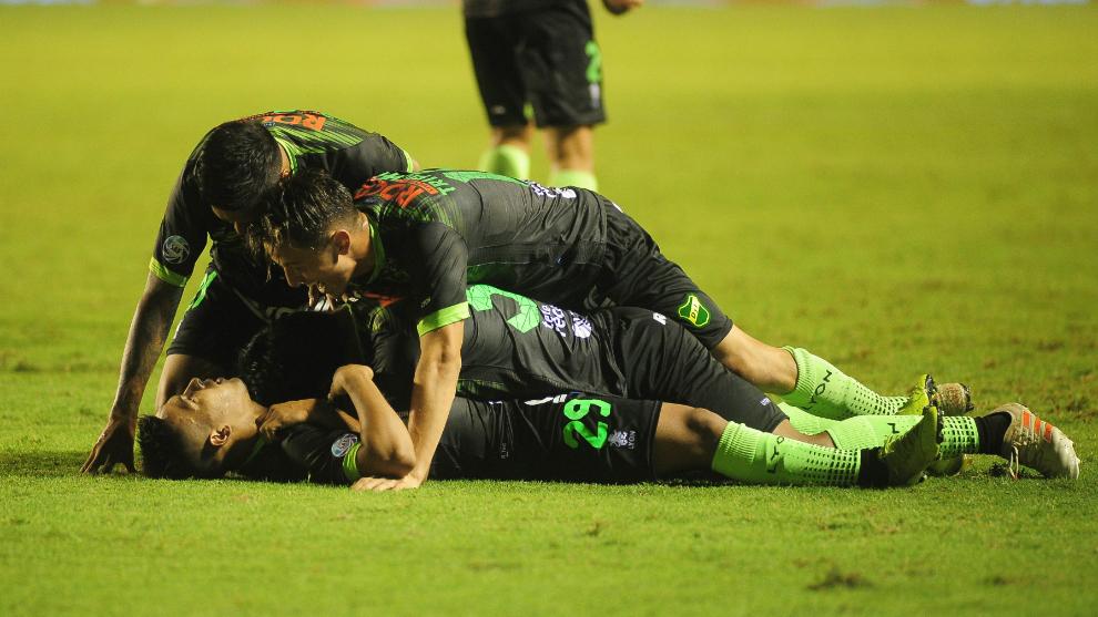 Festeja Defensa y Justicia gracias a los tres goles de 'Uvita'...