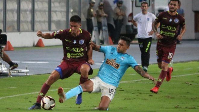 Cristal recibe al Godoy Cruz en el Estadio Nacional — Copa Libertadores