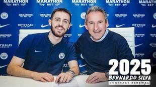 Bernado Silva, junto a Begiristain, director de fútbol del City.