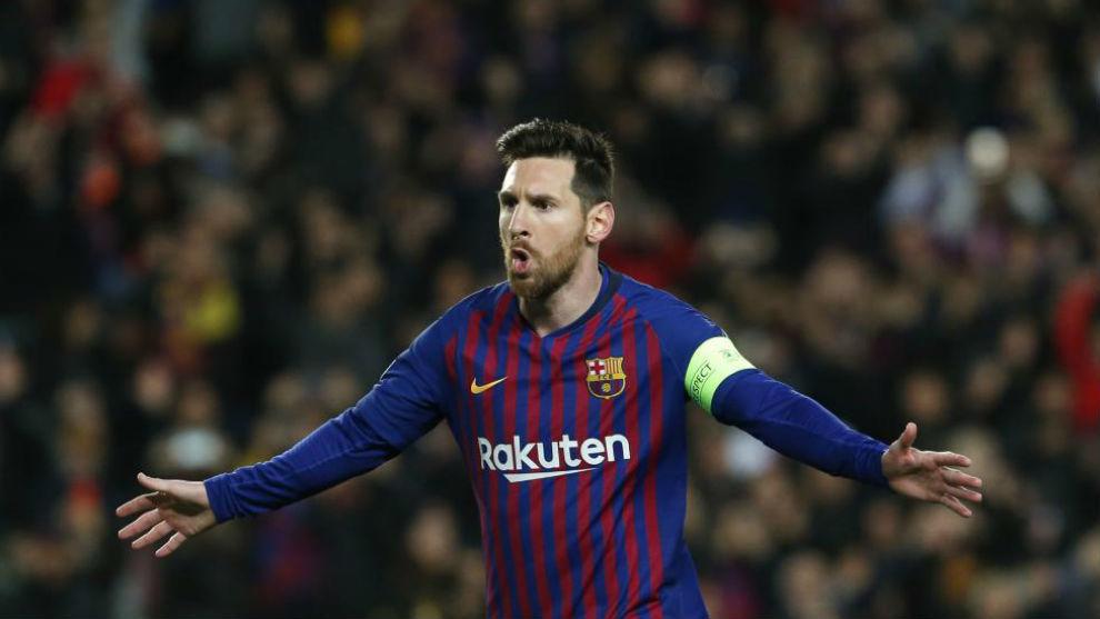 Messi celebra uno de los goles ante el Lyon.