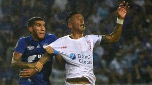 Lucas Barrios tuvo una destacada participación.