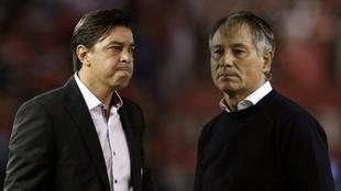 Gallardo y Holan, duros con los arbitrajes