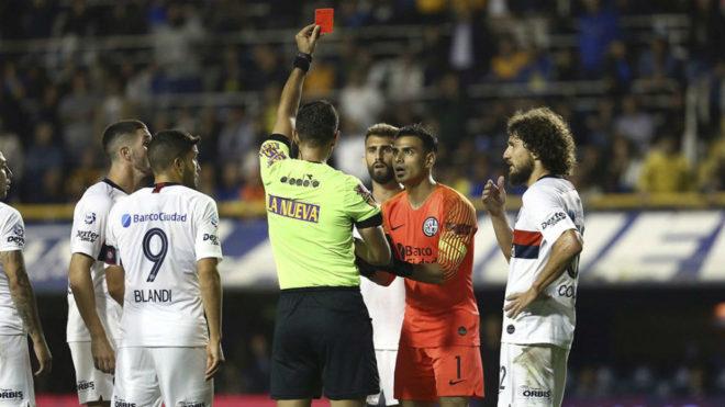Fernando Monetti fue expulsado ante Boca