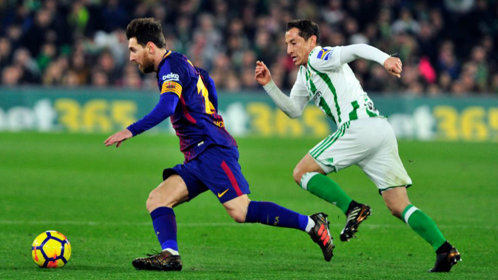 Messi, con Guardado.