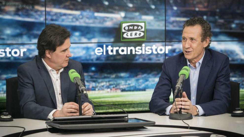 Valdano, con el periodista José Ramón de la Morena.