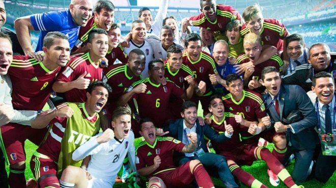 Venezuela celebra tras ganar la semi del Mundial Sub 20 ante Uruguay.
