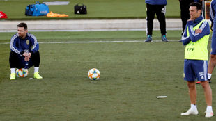 Messi y Scaloni en un entrenamiento de Argentina en Valdebebas.