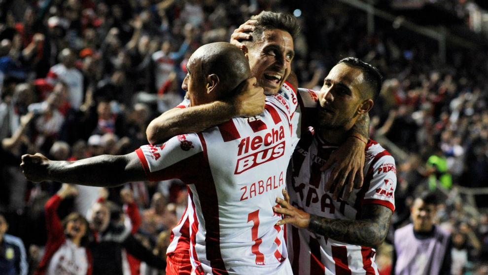 Unión erró dos penales, pero obtuvo un buen triunfo — Copa Sudamericana