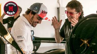 Wayne Taylor, junto a Alonso durante las 24 Horas de Daytona.
