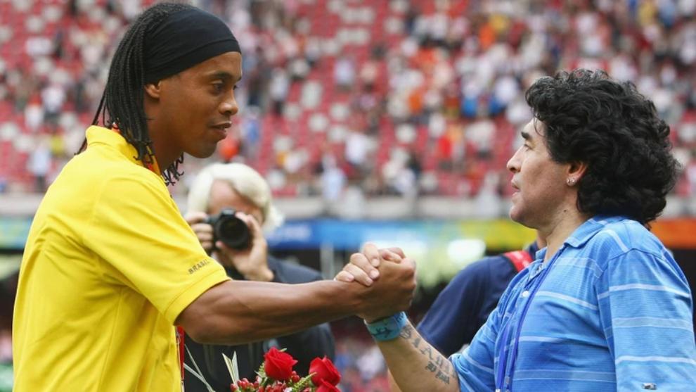 Ronaldinho y Maradona mantienen una gran relación