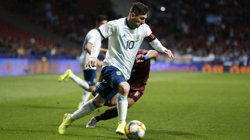 Messi, en un lance del juego ante Venezuela