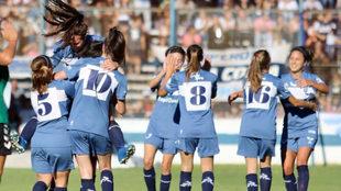 Las chicas de Gimnasia jugaron en el estadio principal del club