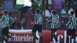 Villa Mitre sorprendió a Newell's y lo eliminó de la Copa...