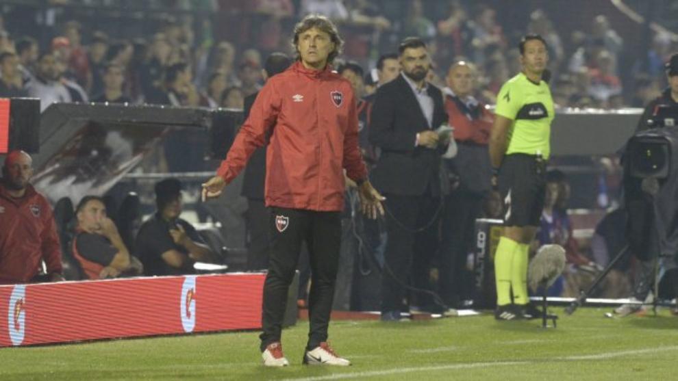 Bidolgio dejó de ser el entrenador de Newell's