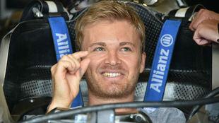 Nico Rosberg le augura un negro futuro a Sebastian Vettlel