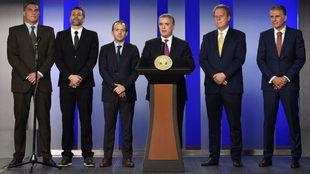 Duque, presidente de Colombia, en el centro, junto Mondragón, Yepes,...