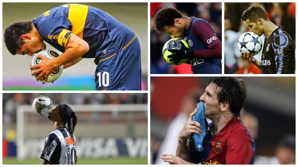 Los futbolistas mostrando su amor por la pelota