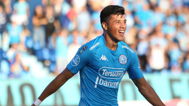 Sequeira festeja el segundo gol de Belgrano