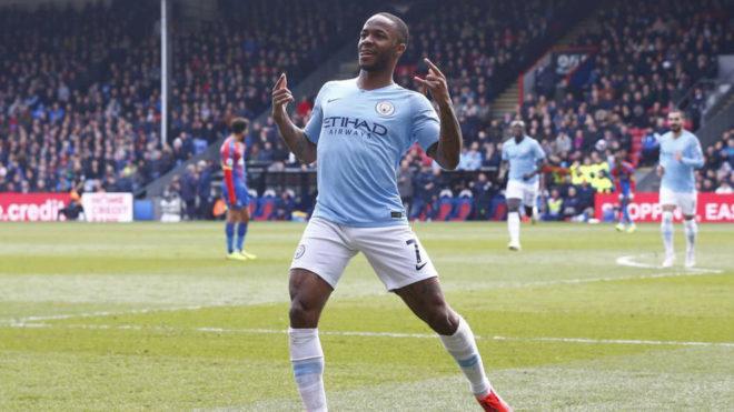 Sterling celebra su segundo gol al Palace.