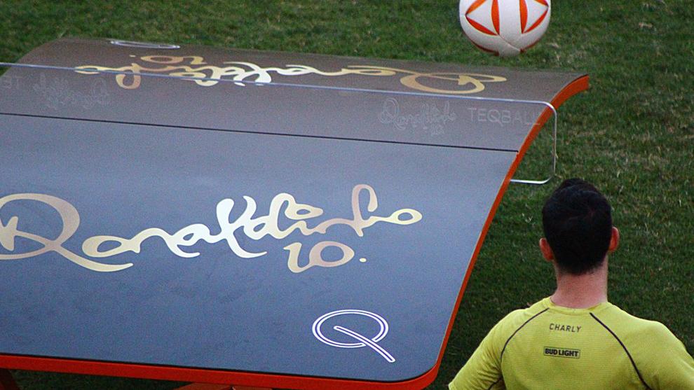 Dorados estrenan las mesas de teqball de Ronaldinho.