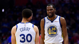 Durant y Curry en el encuentro