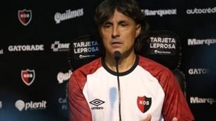 Héctor Bidoglio, ahora exentrenador de Newell's.