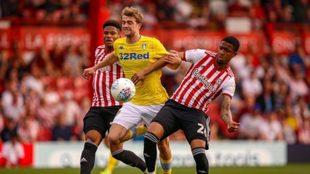Leeds United fue derrotado en su visita al Brentford por 2-0.