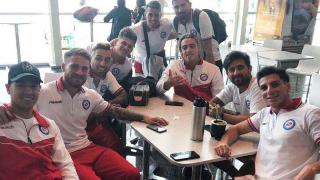 El plantel de Argentinos Jrs antes de viajar a Venezuela.