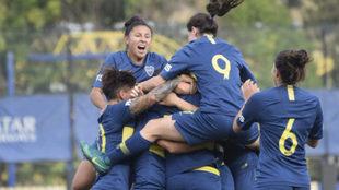 Boca se impuso a River en una nueva fecha del torneo
