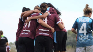 UAI Urquiza derrota a Racing y el torneo se pone al rojo vivo
