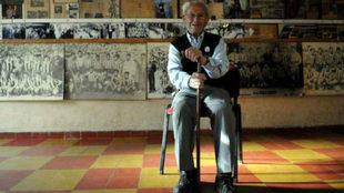 Don Paco, en la sede de Talleres
