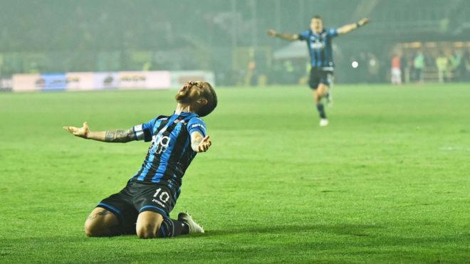 El 'Papu' Gómez celebra uno de sus goles con el Atalanta.