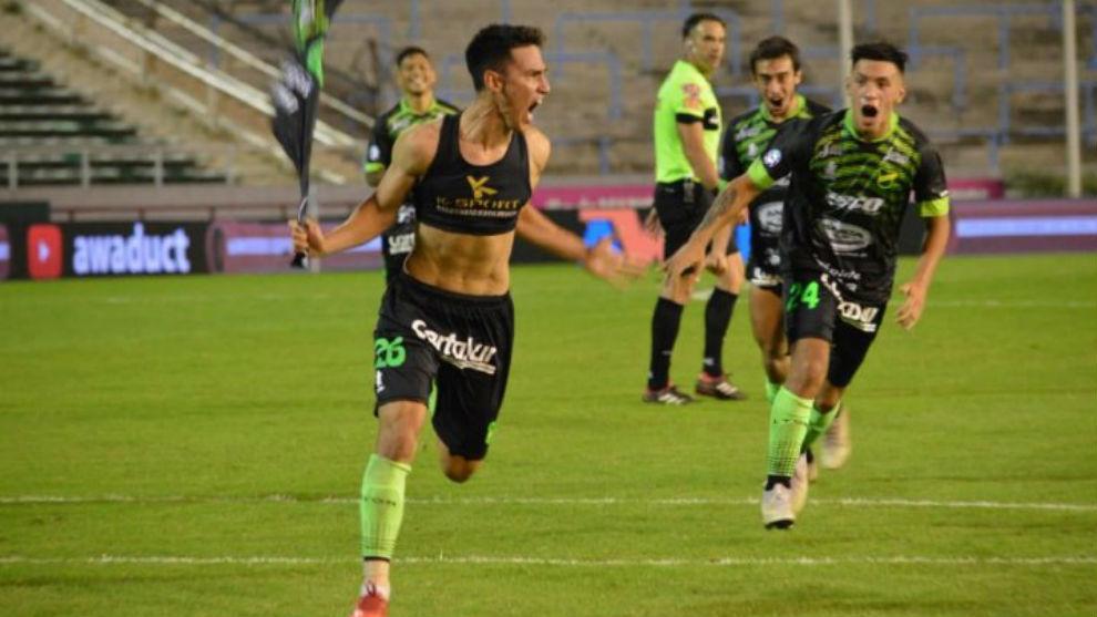 Tigre venció de forma categórica a Racing en el partido de ida
