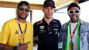 Neymar asistió al Gran Premio de España de Fórmula 1 junto a Dani...
