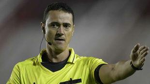 Wilmar Roldán, el árbitro designado para la ida de la Recopa...