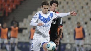 Fernando Gago, jugando en Vélez en 2013