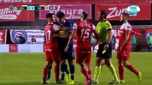 Benedetto y Sandoval tuvieron un cruce en Boca vs Argentinos Jrs.