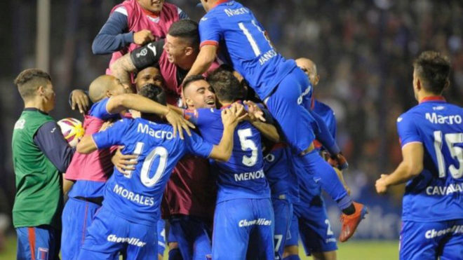 Tigre le ganó 5-0 a Atlético Tucumán en la semifinal de ida de la...