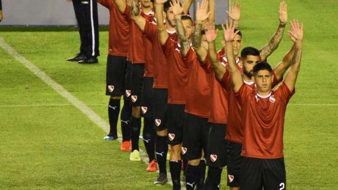 El saludo de Independiente antes de cada partido.