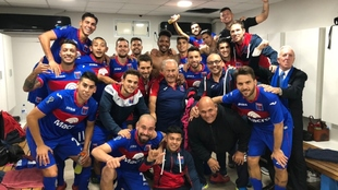 Tigre festeja tras llegar a la final de la Copa de la Superliga