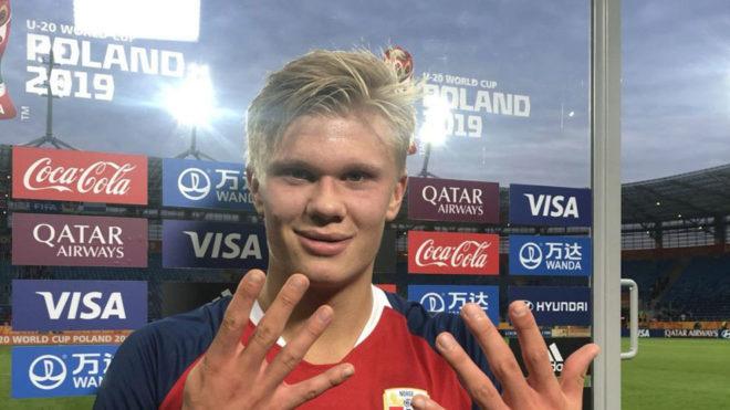Haaland muestra nueve dedos en relación a los goles que le hizo a...