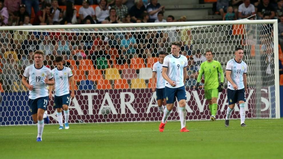 Argentina empató 2-2 contra Mali y perdión en tanda de penaltis.