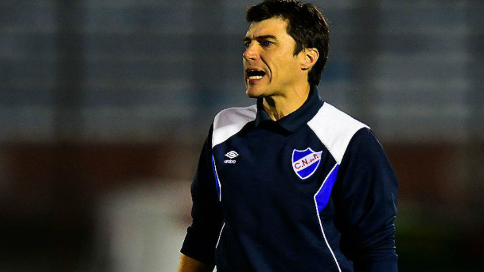 Talleres presenta a Alexander Medina como entrenador