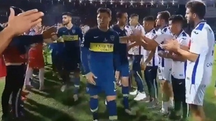 La imagen que captó la TV sobre Zárate y los jugadores de Tigre