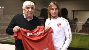 Beccacecce, junto al presidente de Independiente Hugo Moyano