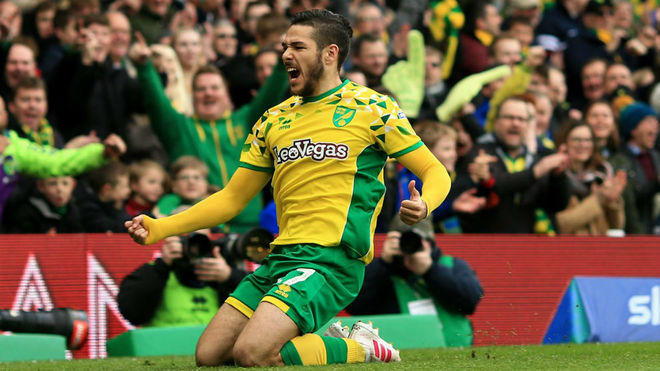 Emiliano Buendia festeja un gol con el Norwich.