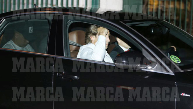 Luka Jovic, tras aterrizar en Madrid.