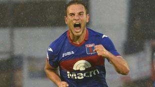 Lucas Menossi.