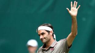 Federer puso primera en Halle